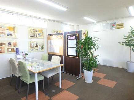 株式会社オノコムリビングワークス 株式会社オノコムリビングワークス 愛知県 豊橋市 商談スペース4席・授乳室も用意しております