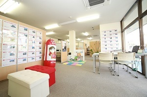 株式会社プライムホーム 株式会社プライムホーム 山梨県 甲府市 店内の様子